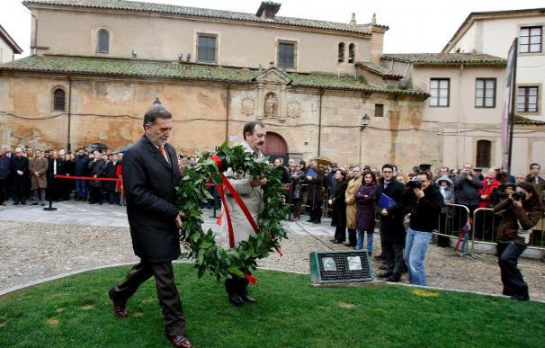 Fragmentos de su obra y la voz del poeta y ensayista homenajean a Unamuno