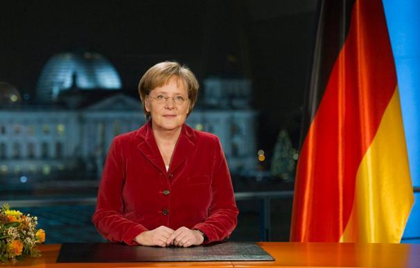 """Merkel dice que la crisis no ha pasado y en 2010 algunas cosas serán """"más difíciles"""""""