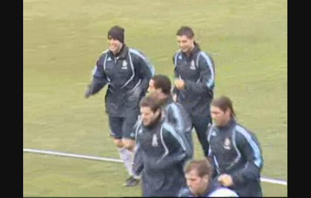 Kaká ya se entrena con sus compañeros
