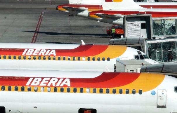 Iberia transporta más de 8 toneladas de mariscos y frutas para las fiestas