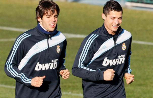 Kaká despide el año completando parte del entrenamiento con el grupo