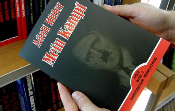 Subastan copias de 'Mein Kampf' (Mi Lucha) firmadas por Hitler por 65.000 dólares