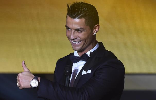 Cristiano Ronaldo durante la gala del Balón de Oro. / AFP