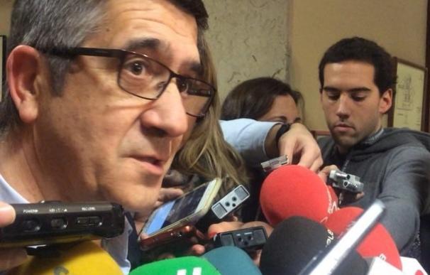 """Patxi López cree que el Reglamento dice """"bien claro"""" que Podemos no puede tener cuatro grupos en el Congreso"""