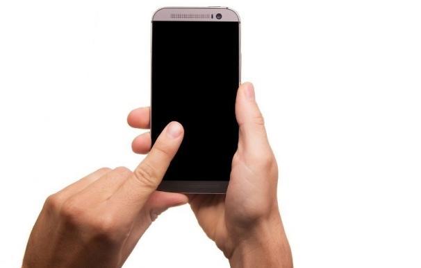 La mitad de los internautas madrileños declara haber realizado compras online a través del móvil