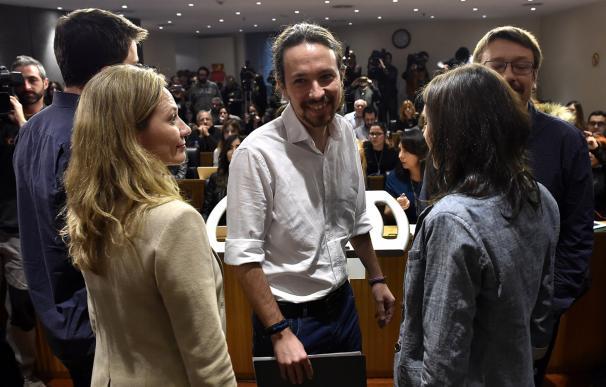 El líder de Podemos, Pablo Iglesias, tras el anuncio de su propuesta de Gobierno junto al PSOE e IU (AFP / GERARD JULIEN)