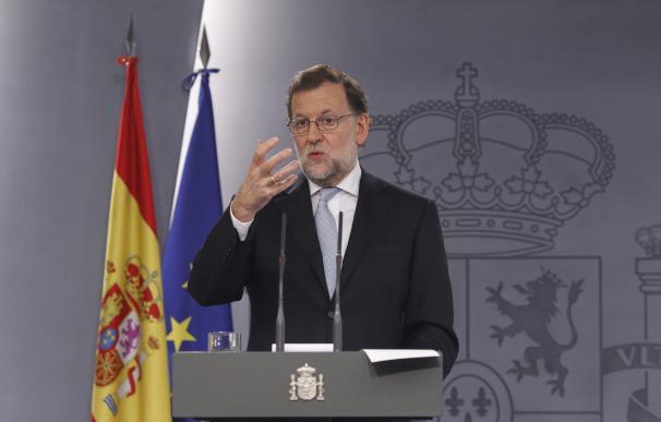 """Rajoy ofrece a PSOE y C's un gobierno que acometa las grandes reformas: """"No tengo ninguna línea roja"""""""