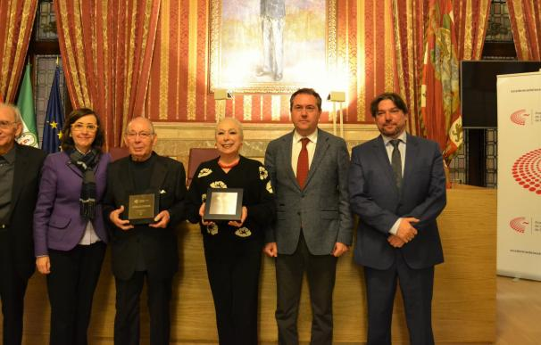 Cristina Hoyos y Salvador Távora, Miembros de Honor de la Academia de Artes Escénicas de España