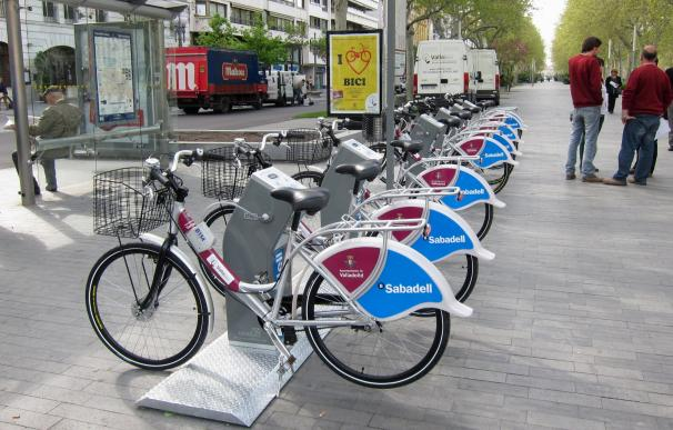 """RACE propone extender el carné por puntos a bicis y los ciclistas tachan la medida de """"absolutamente lamentable"""""""