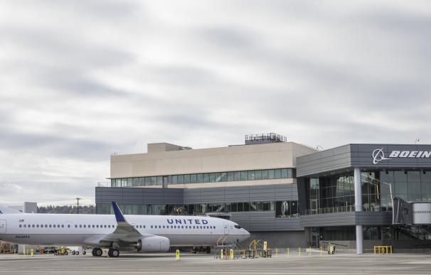 Un vuelo de United Airlines despegó en 2017 y aterrizó en 2016