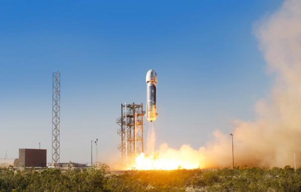 Detalle del lanzamiento de la nave New Shepard, de Blue Origin, el pasado mes de abril.