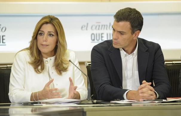 La presidenta de la Junta de Andalucía, Susana Díaz, con el secretario general, Pedro Sánchez.