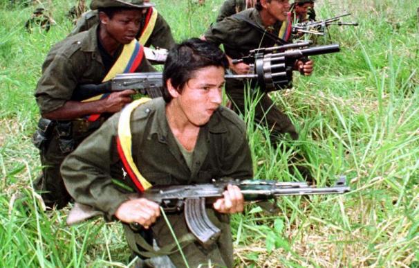 El Gobierno de Colombia acusa a Venezuela de haber pasado armamento a las FARC | Europa Press