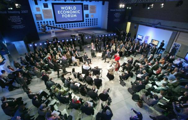 Los empresarios europeos prometen empleo para los refugiados - Debate de Davos