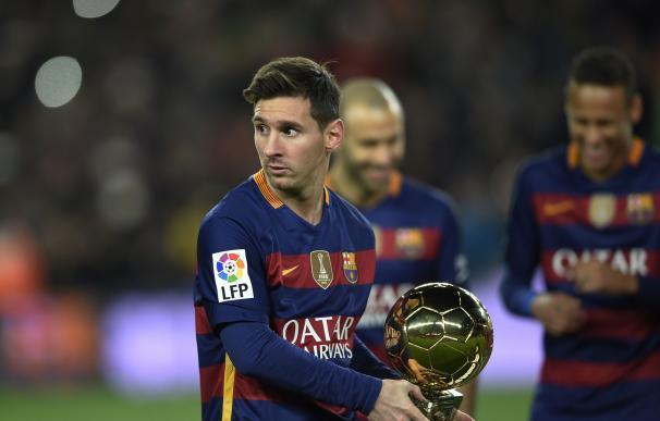 Leo Messi recibió su quinto Balón de Oro hace unas semanas. / AFP