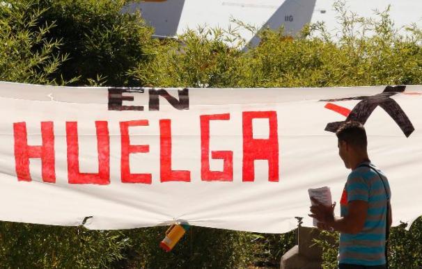 Tranquilidad en Barajas en el segundo día de huelga de tripulantes de cabina de Iberia