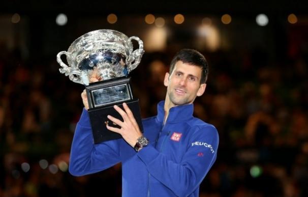 Djokovic vence a Murray y sigue reinando en Australia