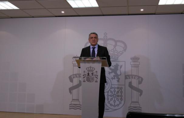 De Andrés dice que Delegación del Gobierno retiró 30 recursos contra uso del euskera de ayuntamientos en sus textos