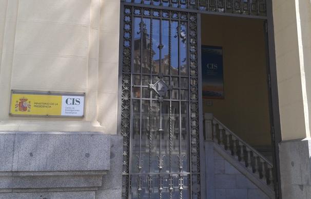 El CIS ultima su barómetro con intención de voto de enero, realizado en pleno debate interno de Podemos