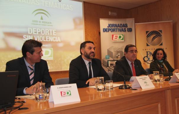 Fernández anuncia una comisión andaluza contra la violencia en el deporte y un tribunal administrativo para litigios