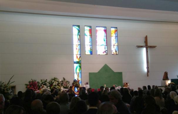 Personalidades de la política, economía, deporte, familia y amigos despiden a Rita Barberá en un multitudinario funeral