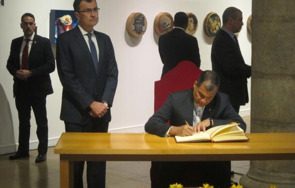 """Correa agradece la acogida en Murcia """"de los héroes anónimos ecuatorianos que rescataron a su país"""""""