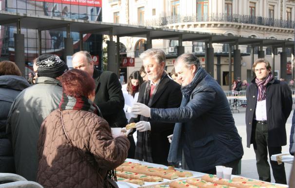 Santisteve se reúne con los voluntarios de la ciudad y elogia su labor con motivo de San Valero