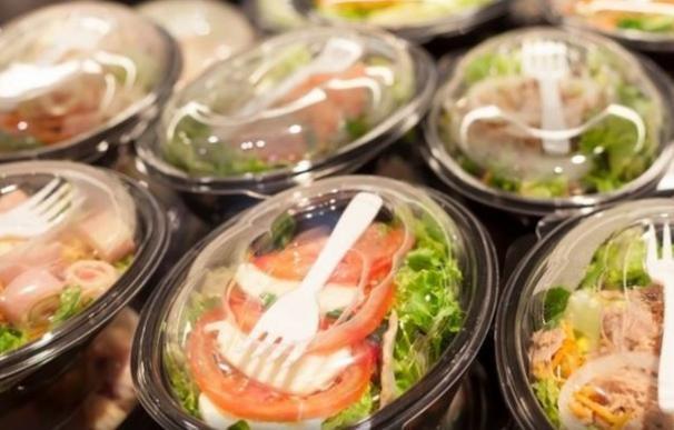Un informe alerta del riesgo de salmonella en las ensaladas preparadas