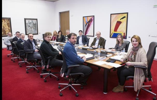 """El Parlamento de Navarra condena el """"brutal asesinato"""" de la vecina de Burlada y se solidariza con sus familiares"""