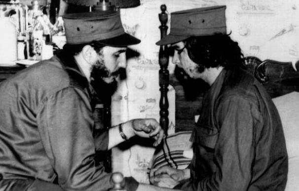 """Internacionalismo o la estrategia del Ché de crear """"uno, dos, tres Vietnam"""""""
