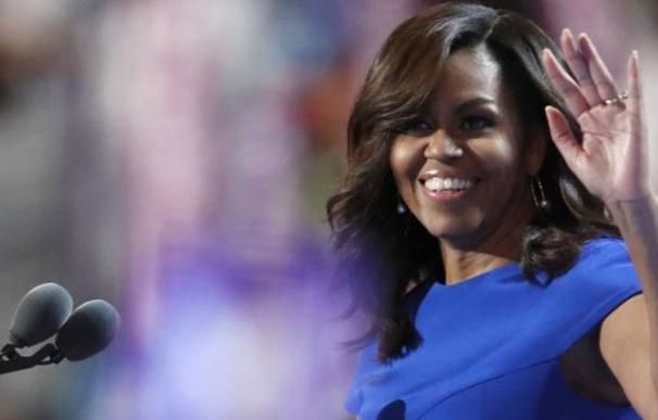"""Dimite una alcaldesa de EEUU por apoyar un mensaje que llama a Michelle """"Chimpancé en tacones"""""""