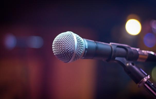 Aprender hasta diez idiomas con música y letras de canciones es posible gracias a Lyricstraining