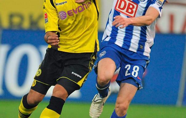 El Borussia Dortmund vence al Hertha por 2-0 con gol del argentino Barrios