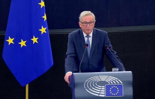 """Juncker alerta del hartazgo de europeos por una UE en crisis y gobiernos """"paralizados"""" por calendarios electorales"""