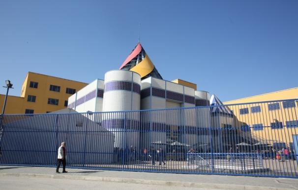 Dos internos del CIE de Aluche se fugan tras saltar la valla del edificio