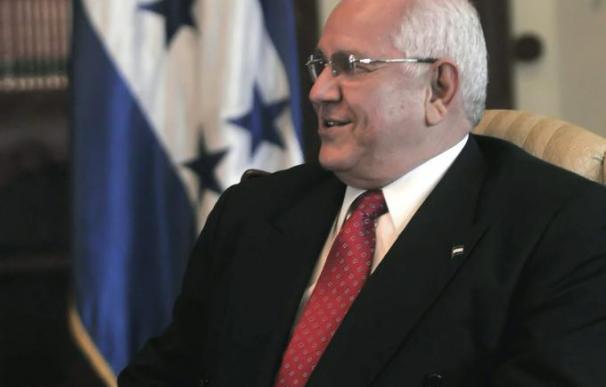 El Gobierno de Micheletti da 10 días a Brasil para que defina el estatus de Zelaya