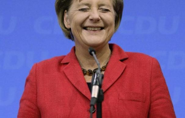 """Merkel celebra la """"mayoría estable lograda"""" y promete gobernar """"para todos"""""""