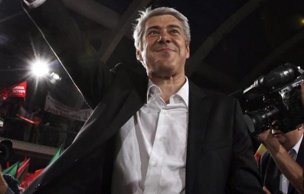 Portugal elige el parlamento y la suerte del Gobierno socialista de Sócrates
