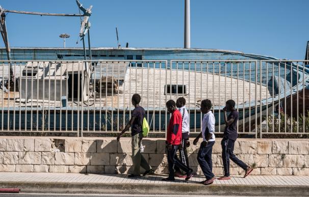 La mayoría de los migrantes que llegan a Libia no pretenden viajar hacia Europa, según la OIM
