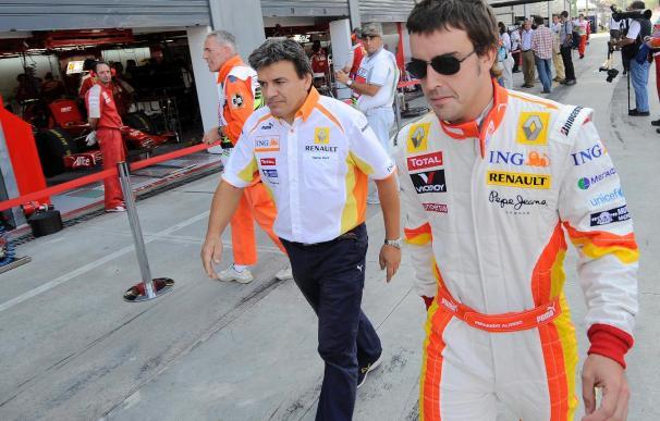 Alonso busca el podio en Singapur, el escenario del escándalo