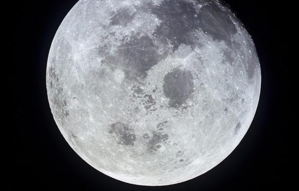 Imagen de la Luna tomada desde el Apolo 11 durante su regreso a la Tierra