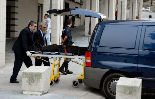 Hallado el cadáver de un hombre ante la iglesia de Bouzas