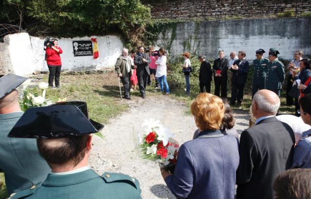 Familiares y vecinos de Leitza homenajean al guardia civil asesinado por ETA