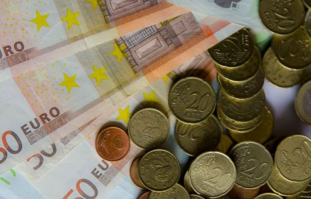 (Amp) El superávit por cuenta corriente suma 14.000 millones hasta septiembre, casi el doble que un año antes