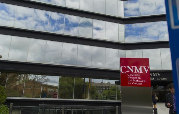 La CNMV advierte de cuatro 'chiringuitos financieros' en Reino Unido