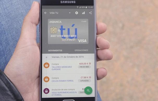 """Abanca lanza una tarjeta que permite tres formas de pago a crédito y """"alta funcionalidad"""" a través de la banca móvil"""