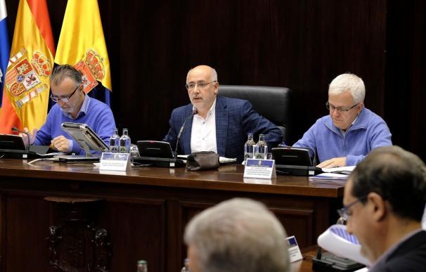 """El Cabildo y los ayuntamientos de Gran Canaria convocarán a Clavijo para que explique """"por qué ha engañado a la isla"""""""
