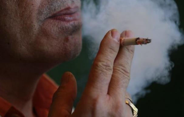 Los fumadores menores de 50 años tienen ocho veces más riesgo de ataque cardíaco
