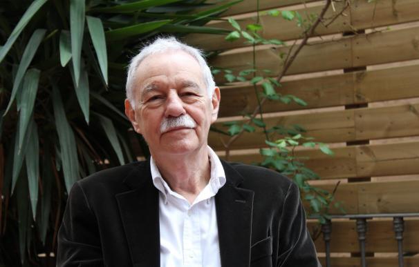 """Colau felicita a Mendoza por el """"merecidísimo"""" Premio Cervantes 2016"""