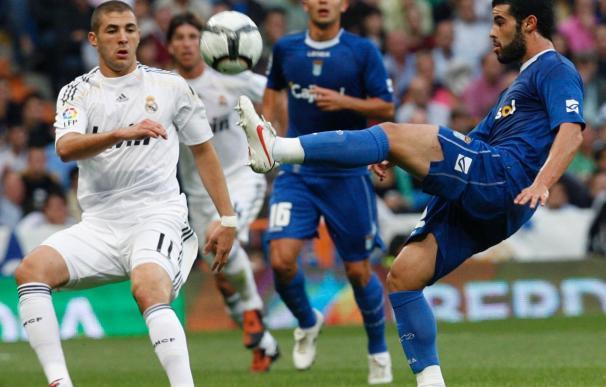 """Benzema declara a """"L'Équipe"""" que no le preocupa aún estar en el banquillo"""